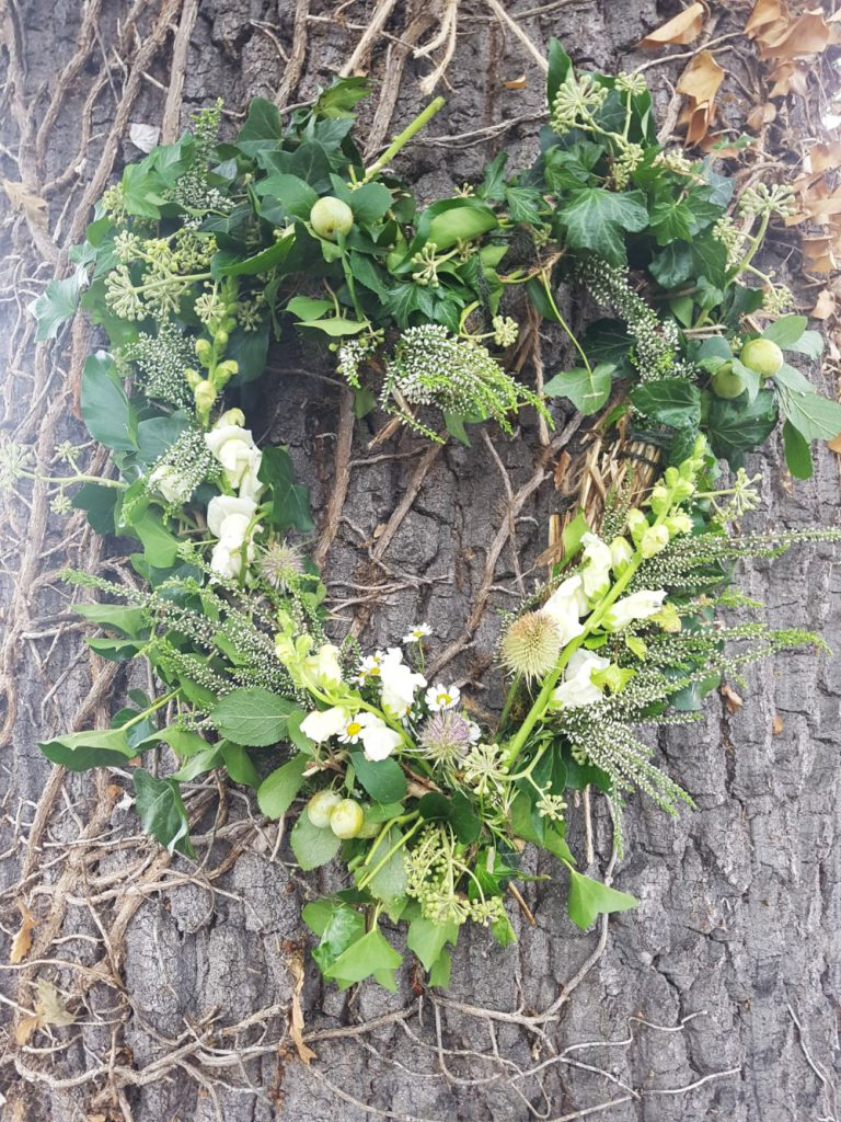 Funeral wreaths and wild floral arrangements damaris designs bespoke naturally wild funeral wreaths bespoke natural and wild funeral wreaths izmirmasajfo Image collections