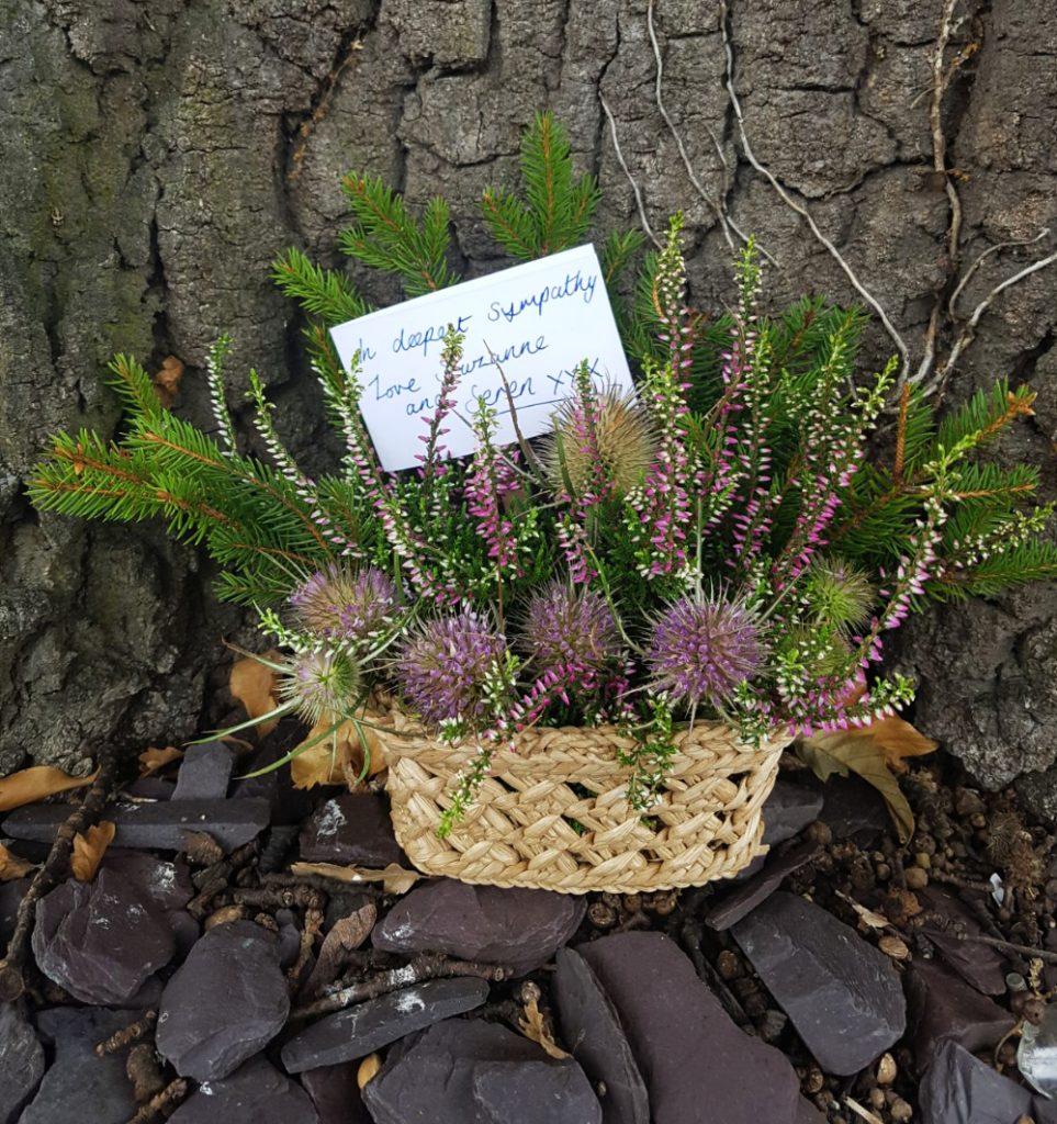 Funeral wreaths and wild floral arrangements damaris designs natural and wild funeral floral arrangements izmirmasajfo