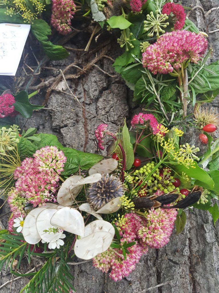 Funeral wreaths and wild floral arrangements damaris designs bespoke naturally wild funeral wreaths izmirmasajfo Image collections